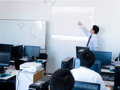 新宿校ではスクールセミナーも随時開催